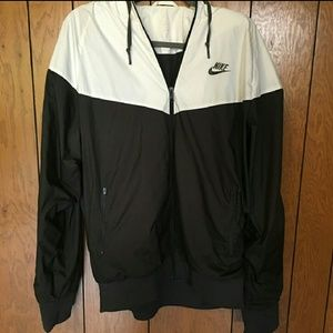 Nike windbreaker like new condition